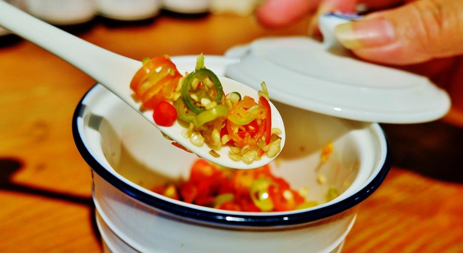 【北車泰式料理】KMG泰式海南雞飯 @貝大小姐與瑞餚姐の囂脂私蜜話