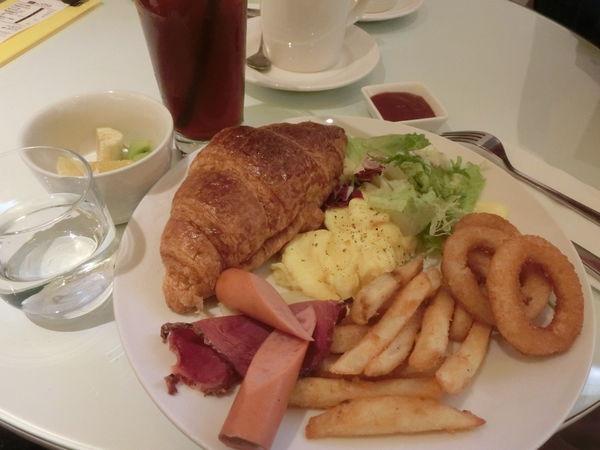 @板橋 美食@晨光中法創意料理 早午餐 隱藏巷弄內的法式早午餐! @貝大小姐與瑞餚姐の囂脂私蜜話