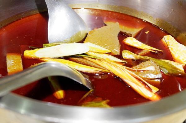 【台北 國父紀念館站美食】泰讚了thai like tea 手工泰式茶 @貝大小姐與瑞餚姐の囂脂私蜜話