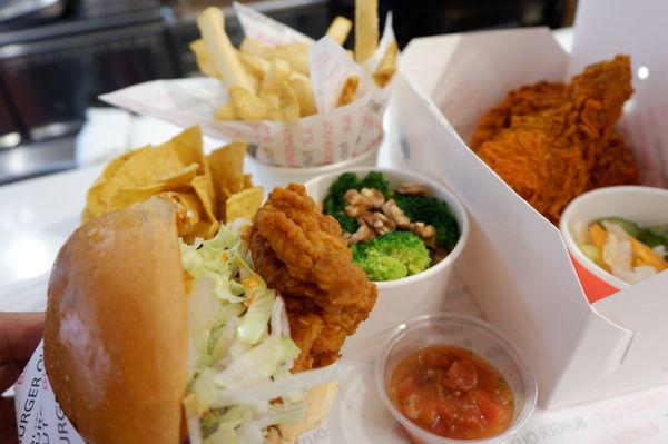 【台北 信義區美式炸雞漢堡推薦】Burgerout @貝大小姐與瑞餚姐の囂脂私蜜話