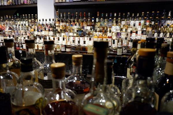 【基隆 仁愛區】艾克猴 The Alcohol Bar @貝大小姐與瑞餚姐の囂脂私蜜話