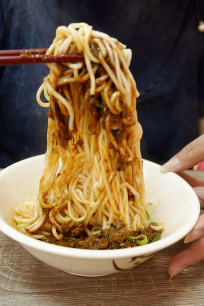 【台北 信義安和站】龍虎醬 上海三寶麵 @貝大小姐與瑞餚姐の囂脂私蜜話