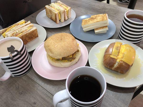 【台北 六張犁站】福來早餐Food Life 六張犁店 @貝大小姐與瑞餚姐の囂脂私蜜話