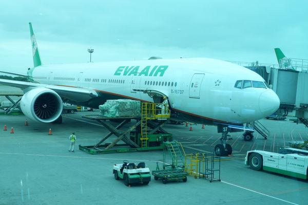 【航空公司】長榮航空 台北曼谷來回 @貝大小姐與瑞餚姐の囂脂私蜜話
